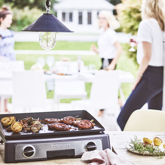 Cuisinart Entertaining Grill 9